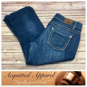 BKE Culture Cut Off Crop Jeans Raw Hem Edge